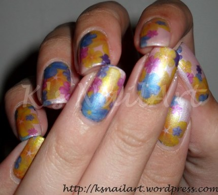 frost-floral-nails-2